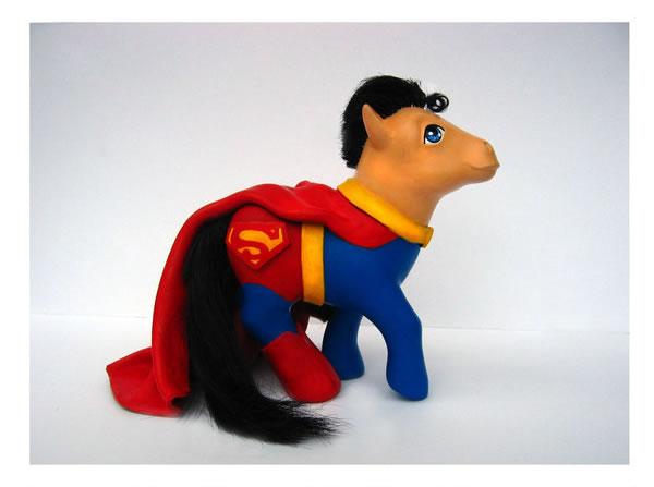 Pequeño Pony Superman